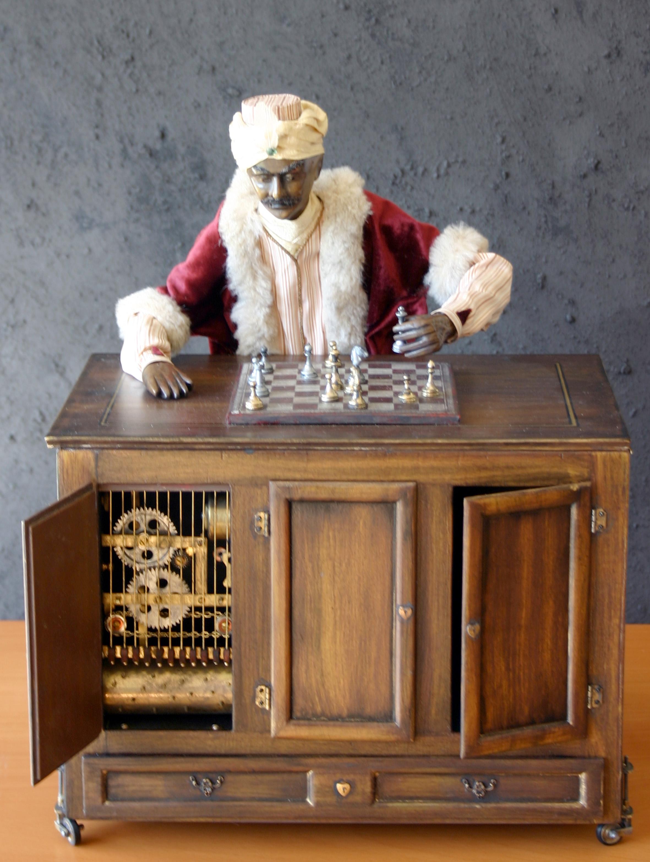 Kempelen Farkas sakkautomatájának modellje, 2003, 40 x 32 x 28 cm Volker Huber magángyűjteménye